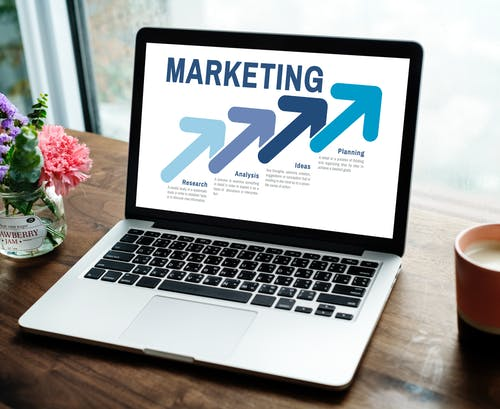 24 Essential Marketing Tools to Add to Your Stack (Beginners)